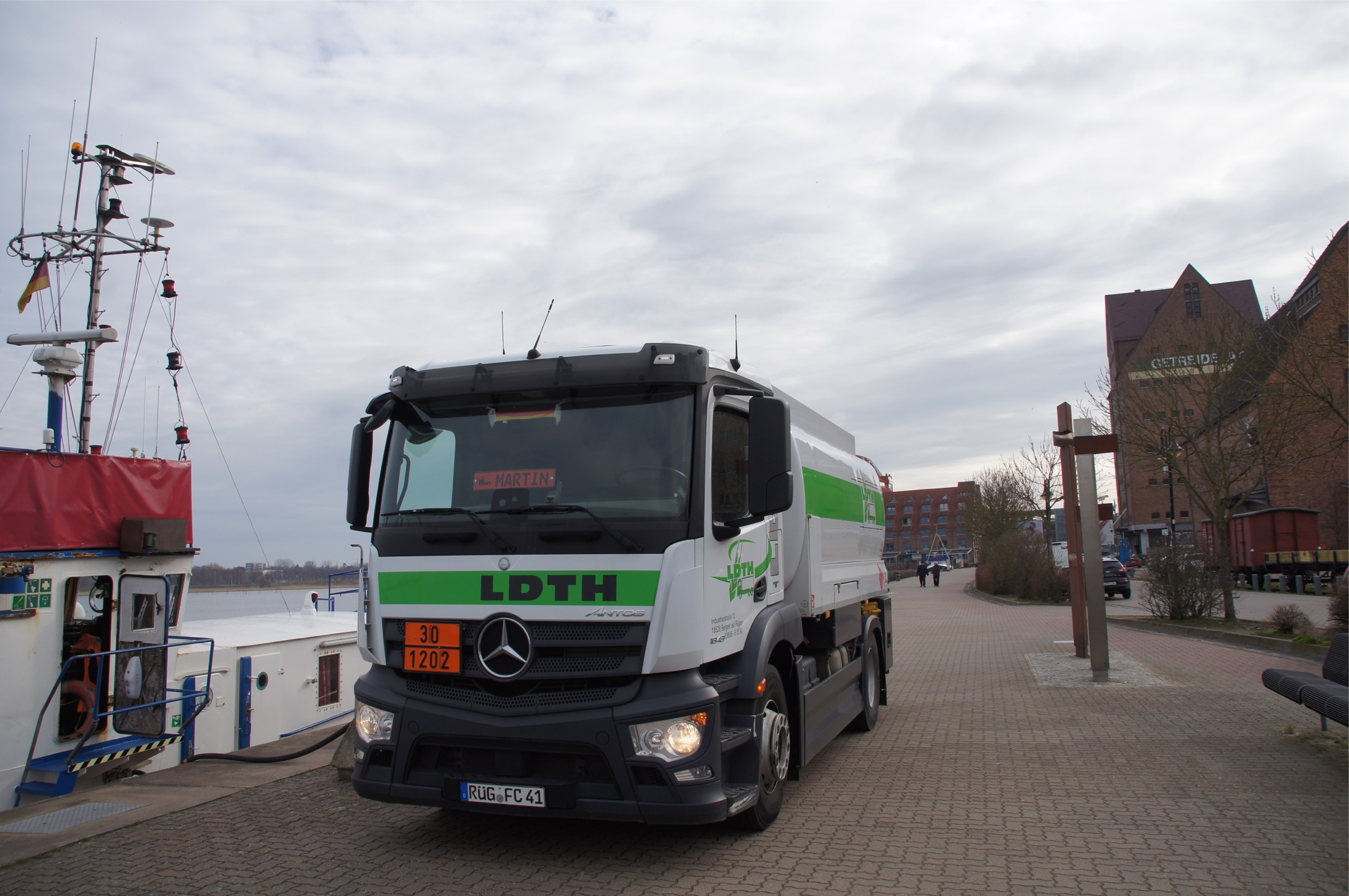 LDTH - Bunkeröl Gasöl Schiffsbetankung Ostsee Rügen Stralsund Rostock